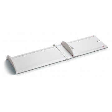 Light and stable measuring board for mobile use